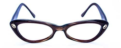 Oval/Brown Plastic Frame 2