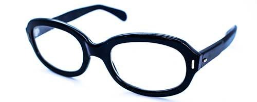 Thick Black Oval Plastic Frame 1