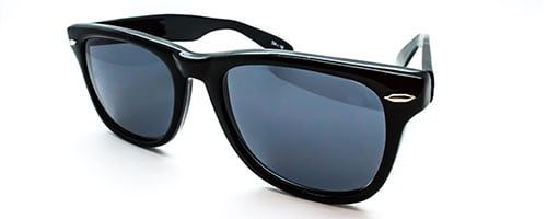 "RX1 - Classic ""Wayfarer"" shaped plastic sunglass 2"