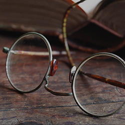 Vintage Hlasses